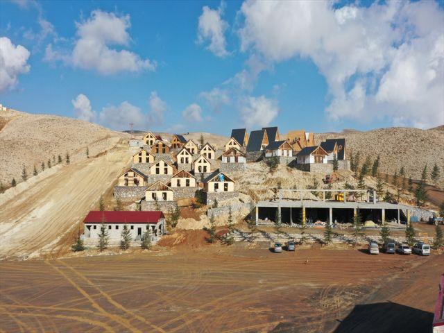 Kahramanmaraş'taki Yedikuyular Kayak Merkezinin altyapısı yeni sezona hazır