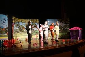 Miniklerden Çocuk Tiyatrosuna Büyük İlgi